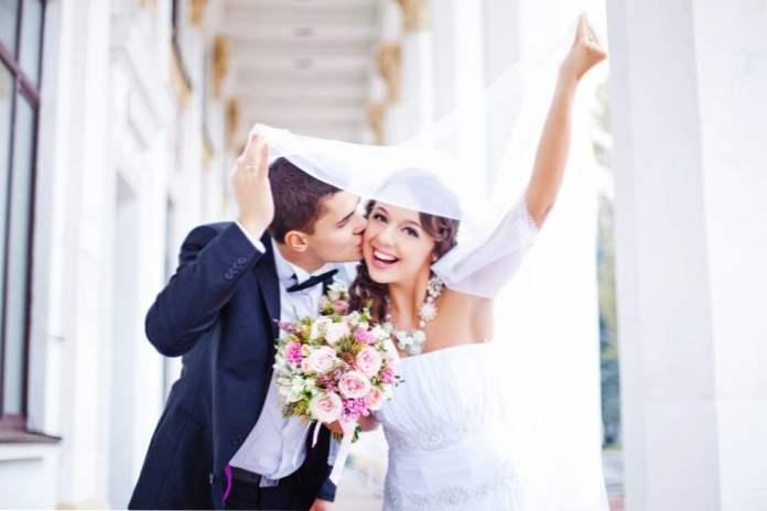 vjenčanje nakon 6 mjeseci upoznavanja napraviti dobar online dating profil